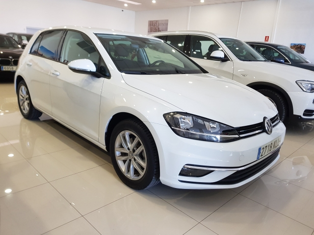 VOLKSWAGEN GOLF  Advance 1.4 TSI 92kW 125CV 5p. for sale in Malaga - Image 1