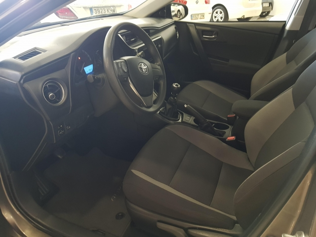 TOYOTA AURIS  1.4 90D Business 5p. for sale in Malaga - Image 7