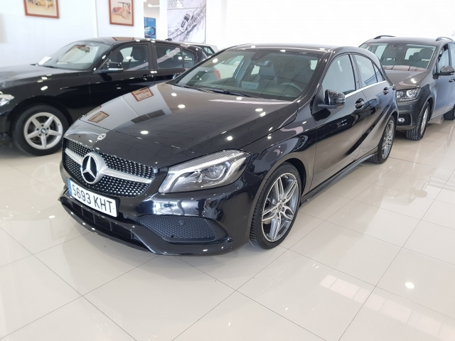 MERCEDES-BENZ CLASE A  A 200 CDI BlueEFFICIENCY AMG Sport 5p. for sale in Malaga - Image 2