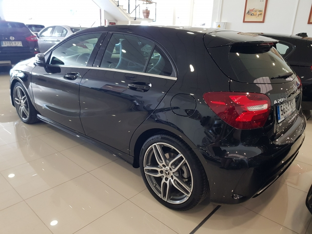 MERCEDES-BENZ CLASE A  A 200 CDI BlueEFFICIENCY AMG Sport 5p. for sale in Malaga - Image 3