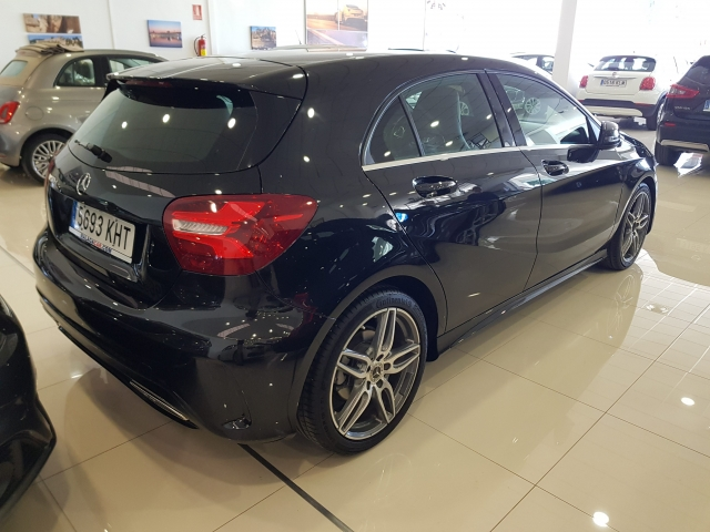 MERCEDES-BENZ CLASE A  A 200 CDI BlueEFFICIENCY AMG Sport 5p. for sale in Malaga - Image 4
