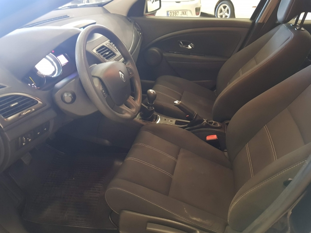 RENAULT MEGANE  Intens Energy TCe 115 SS eco2 5p. for sale in Malaga - Image 9