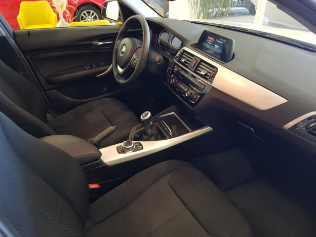 BMW SERIE 1  116i 5p. for sale in Malaga - Image 7