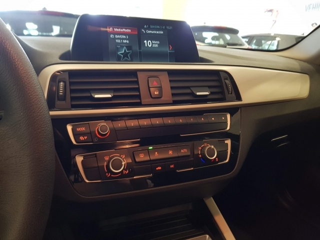 BMW SERIE 1  116i 5p. for sale in Malaga - Image 10