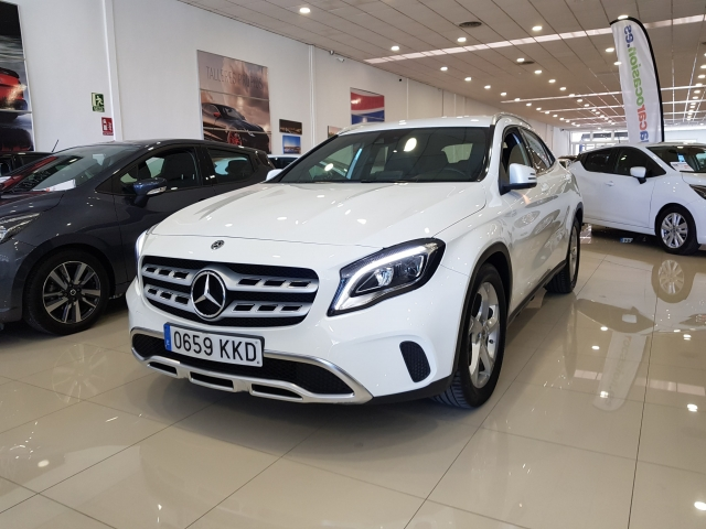 MERCEDES-BENZ GLA200D  7G DCT for sale in Malaga - Image 1