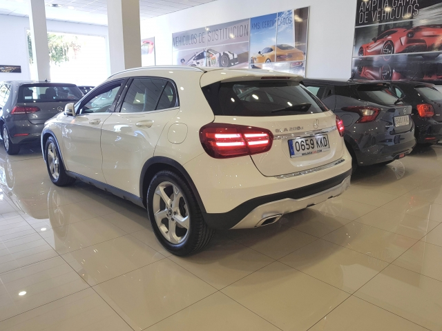 MERCEDES-BENZ GLA200D  7G DCT for sale in Malaga - Image 3