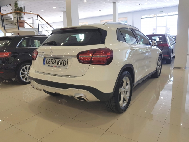 MERCEDES-BENZ GLA200D  7G DCT for sale in Malaga - Image 4