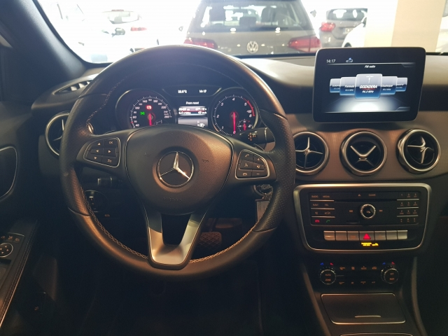 MERCEDES-BENZ GLA200D  7G DCT for sale in Malaga - Image 7
