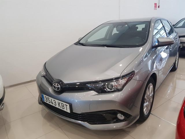TOYOTA AURIS  1.2 120T Active 5p. used car in Malaga