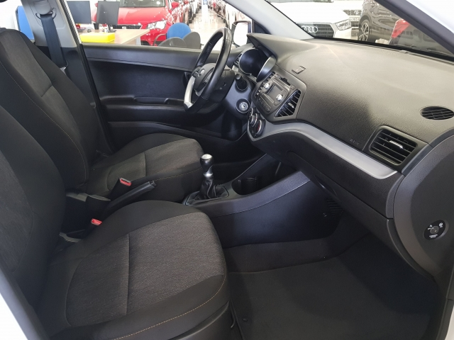KIA PICANTO  1.0 CVVT Tech 5p. for sale in Malaga - Image 6