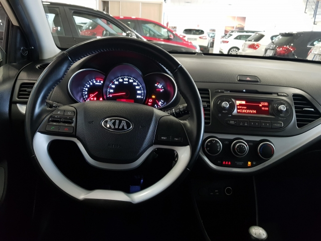 KIA PICANTO  1.0 CVVT Tech 5p. for sale in Malaga - Image 9