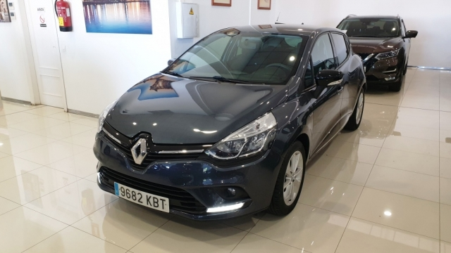 RENAULT CLIO  Limited 1.2 16v 75 Euro 6 5p. for sale in Malaga - Image 1