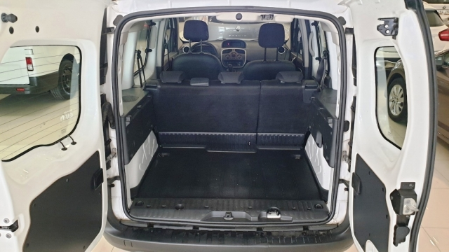 RENAULT KANGOO COMBI  Profesional 2011 dCi 75 E5 4p. for sale in Malaga - Image 8