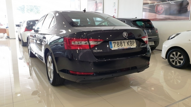SKODA SUPERB  2.0 TDI 150cv Ambition 5p. for sale in Malaga - Image 7