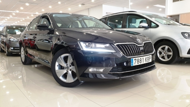SKODA SUPERB  2.0 TDI 150cv Ambition 5p. for sale in Malaga - Image 14