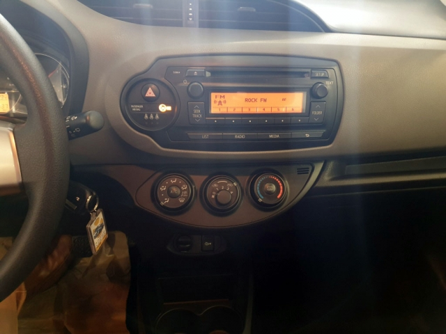 TOYOTA YARIS  1.0 70 City 5p. for sale in Malaga - Image 5