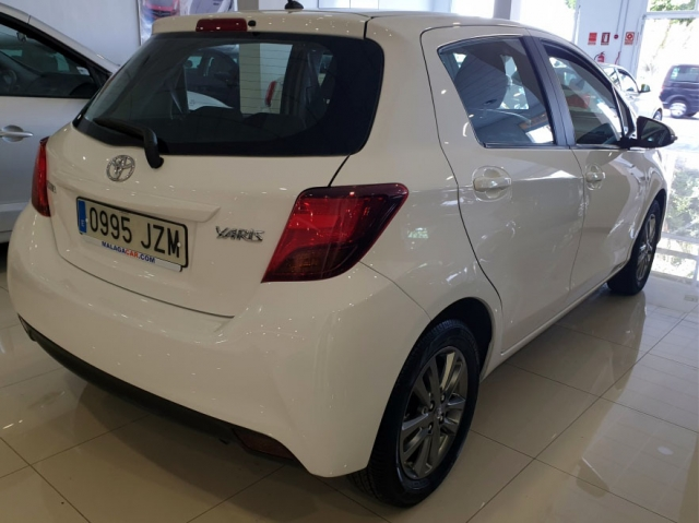 TOYOTA YARIS  1.0 70 City 5p. for sale in Malaga - Image 11