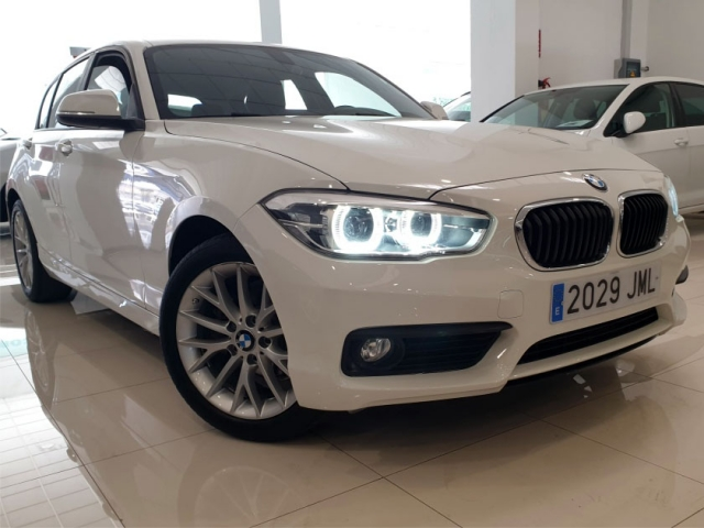 BMW SERIE 1  116d 5p. for sale in Malaga - Image 2