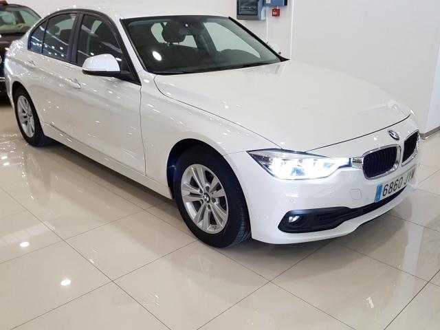 BMW SERIE 3  318dA Business 4p. for sale in Malaga - Image 1