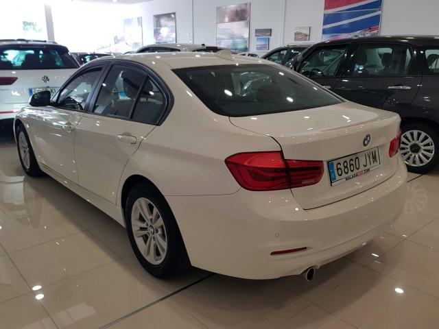 BMW SERIE 3  318dA Business 4p. for sale in Malaga - Image 4