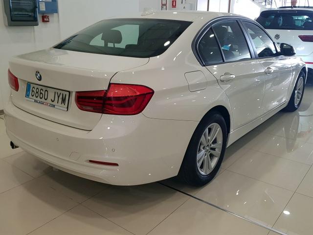 BMW SERIE 3  318dA Business 4p. for sale in Malaga - Image 5