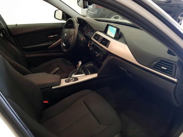 BMW SERIE 3  318dA Business 4p. for sale in Malaga - Image 10