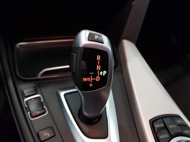 BMW SERIE 3  318dA Business 4p. for sale in Malaga - Image 14