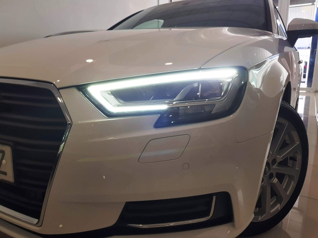 AUDI A3  design edition 1.6 TDI S tronic Sportb 5p. for sale in Malaga - Image 3