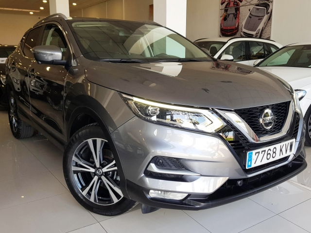 NISSAN QASHQAI 1.5 dCi NCONNECTA 5p. for sale in Malaga - Image 1