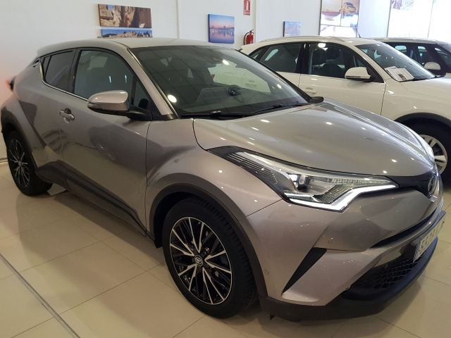 TOYOTA CHR C-HR 1.8 125H Advance plus 5p. for sale in Malaga - Image 2