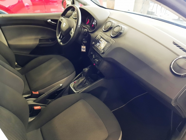 SEAT IBIZA  1.0 EcoTSI 110cv Style DSG 5p. for sale in Malaga - Image 8