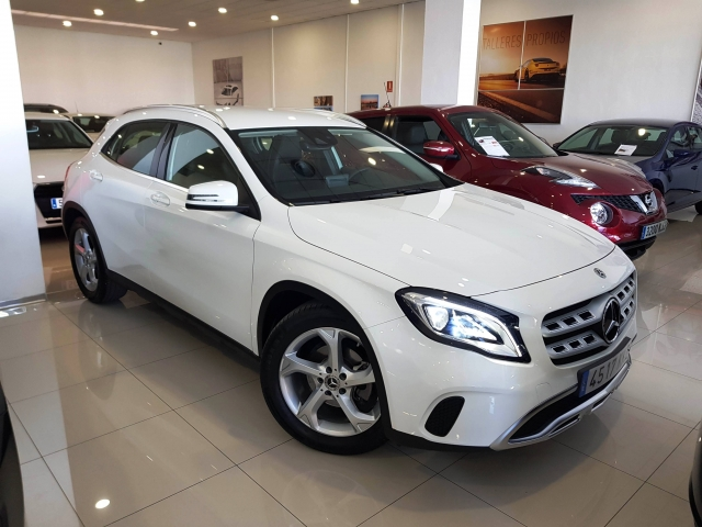 MERCEDES BENZ GLA200D  7G-DCT  used car in Malaga