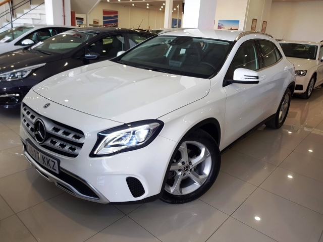 MERCEDES BENZ GLA200D  7G-DCT  for sale in Malaga - Image 2