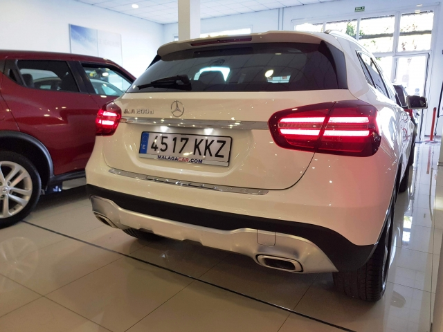 MERCEDES BENZ GLA200D  7G-DCT  for sale in Malaga - Image 4