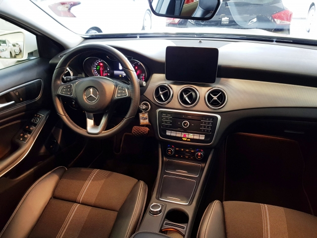 MERCEDES BENZ GLA200D  7G-DCT  for sale in Malaga - Image 7