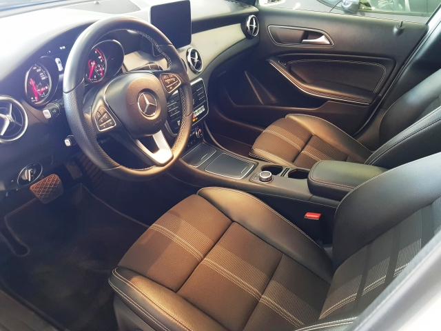 MERCEDES BENZ GLA200D  7G-DCT  for sale in Malaga - Image 9