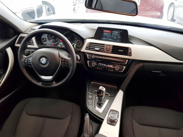 BMW SERIE 3  318d 4p. for sale in Malaga - Image 9