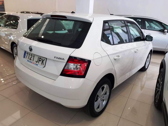 SKODA FABIA  1.0 MPI 75cv Ambition 5p. for sale in Malaga - Image 4