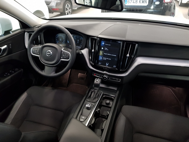 VOLVO XC60  2.0 D4 Momentum 5p. for sale in Malaga - Image 7