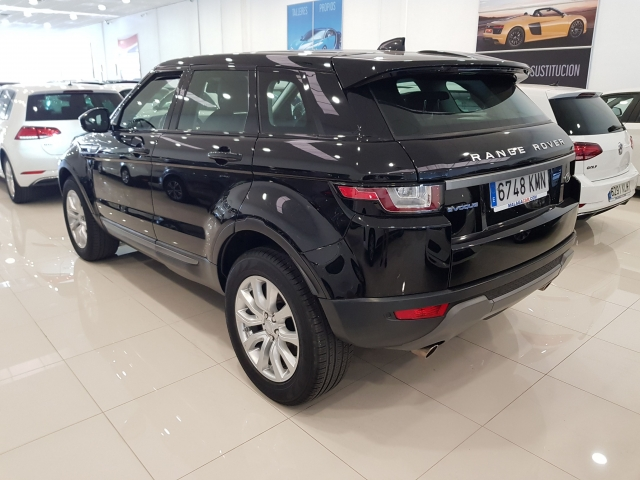 LAND-ROVER RANGE ROVER EVOQUE  2.0L eD4 Diesel 150CV 4x2 Pure 5p. for sale in Malaga - Image 3