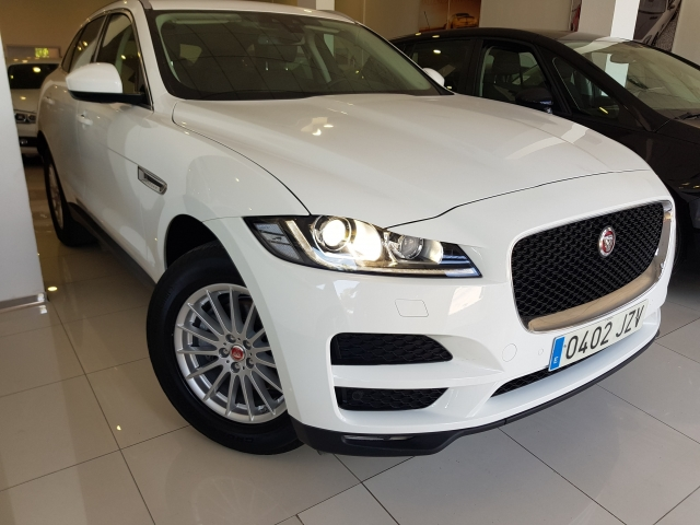 JAGUAR FPACE 2.0i4D Prestige Aut. AWD for sale in Malaga - Image 1