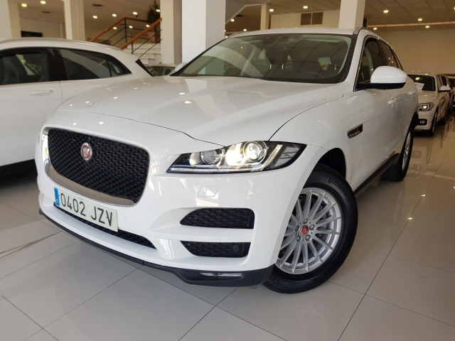 JAGUAR FPACE 2.0i4D Prestige Aut. AWD for sale in Malaga - Image 2