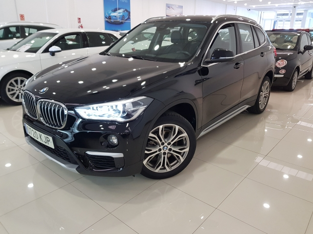 BMW X1  sDrive18d 5p. for sale in Malaga - Image 2