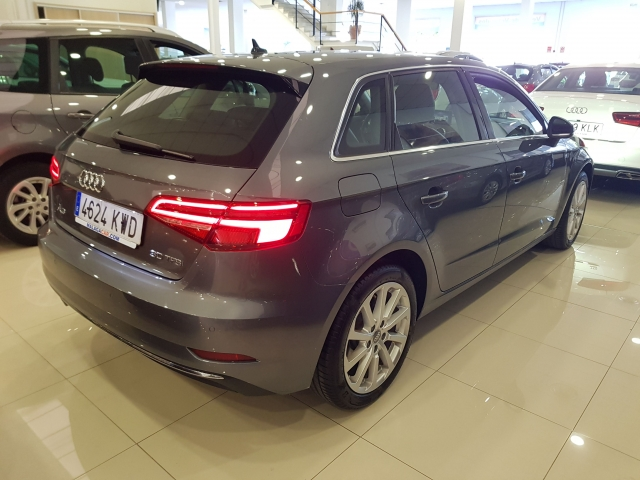 AUDI A3  design edition 1.0 TFSI Sportback 5p. for sale in Malaga - Image 4