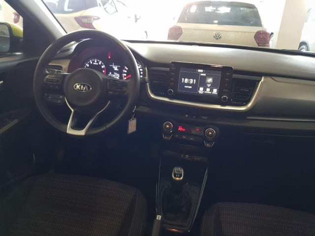 KIA Stonic 1.0 TGDi 74kW 100CV DRIVE for sale in Malaga - Image 5