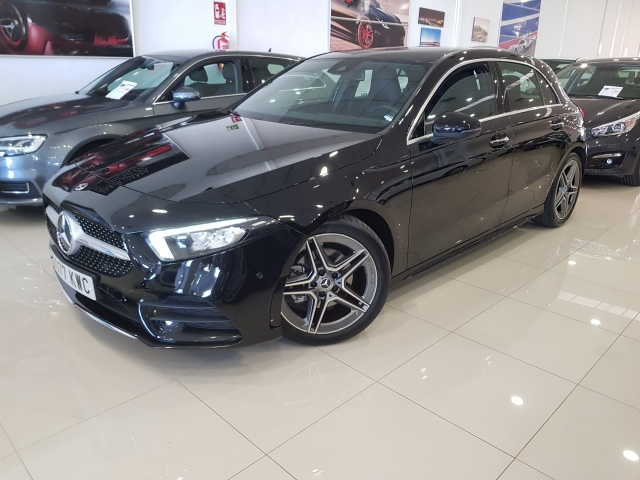 MERCEDES BENZ CLASE A A 200 d for sale in Malaga - Image 2