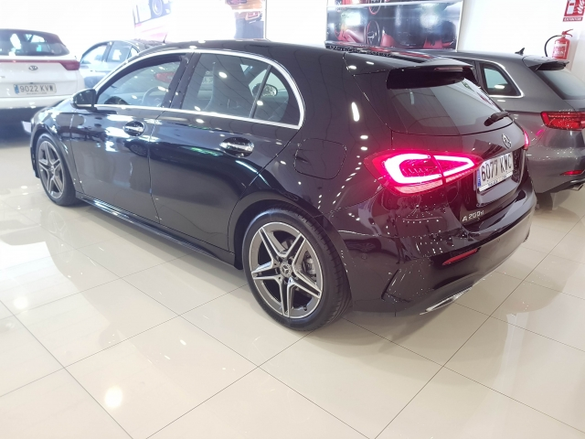 MERCEDES BENZ CLASE A A 200 d for sale in Malaga - Image 3