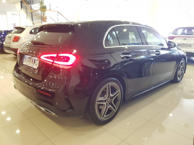 MERCEDES BENZ CLASE A A 200 d for sale in Malaga - Image 4