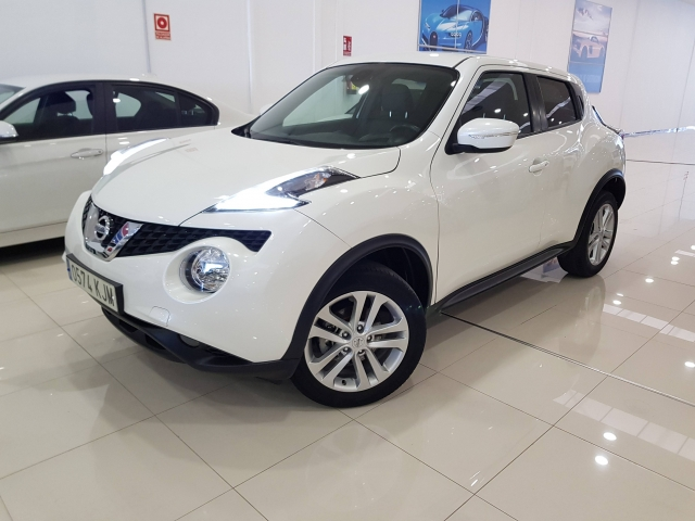 NISSAN JUKE  1.2 NCONNECTA 4X2 5p. for sale in Malaga - Image 2