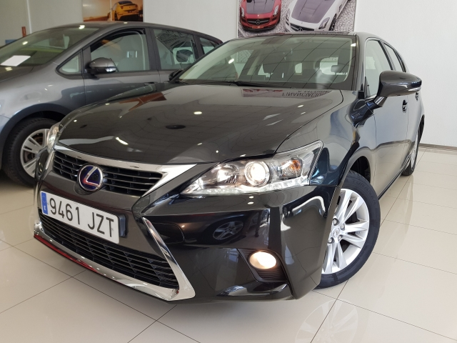LEXUS CT  200H BUSINESS  for sale in Malaga - Image 2
